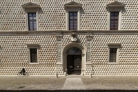 The magnificent Palazzo dei Diamanti, at the centre of the Addizione Erculea, on the important crossroads known as the Quadrivio degli Angeli belonged to the duke's brother Sigismondo d'Este.