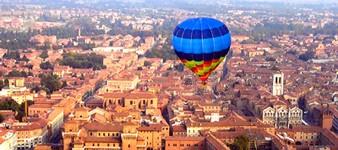 Globo areostatico en Ferrara-- Montgolfier