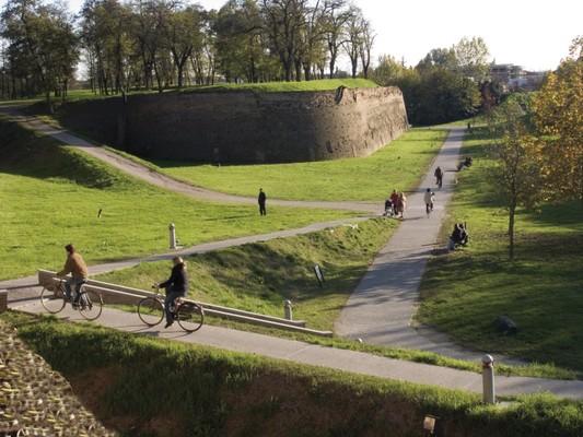 1. Les remparts de Ferrare à bicyclette