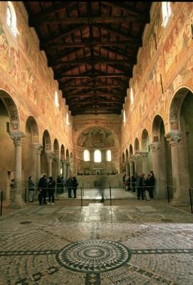 Interno abbazia di Pomposa