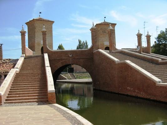 Ufficio Turismo A Ferrara : Comacchio una città dacqua u2014 ferrara terra e acqua