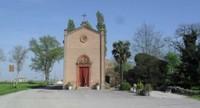Del santuario si hanno le prime notizie in documenti del XV secolo. La chiesa fu ricostruita nel suo attuale aspetto nel 1910 ed è costituita da un edificio in pietra a vista con tetto a capanna e campaniletto a vela.