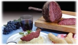 Salama ferrarese, vino, cappellaci di zucca, coppia di pane